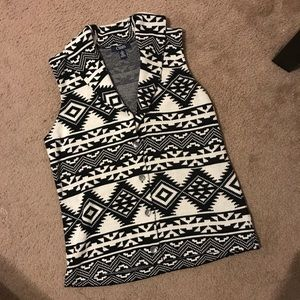 Chaps Medium Black and White Vest